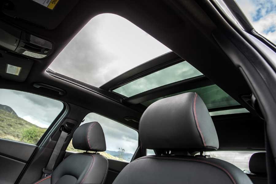 Repair-and-replacement-of-all-types-of-sunroof-glass