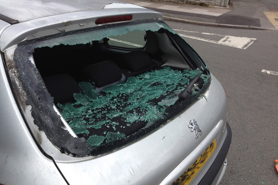 Peugeot Windshield Replacement in London