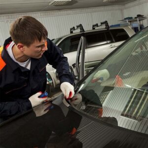 Golden Benefits of Mobile Car Windshield Service in London